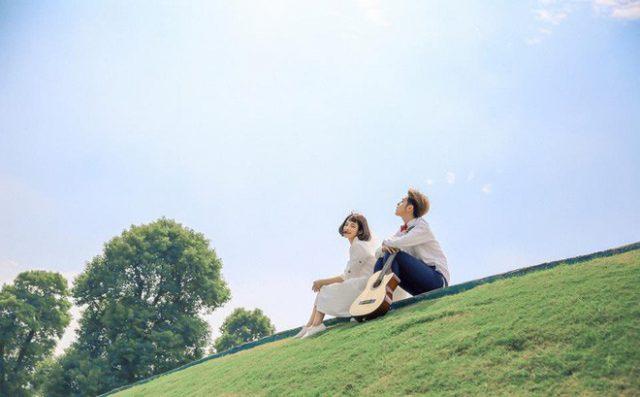 Em ngược đường ngược nắng để yêu anh - Câu thơ chất chứa sự xót xa