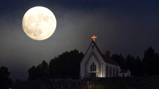Chùm thơ về trăng khuya buồn cô đơn, xót xa và tâm trạng nhất